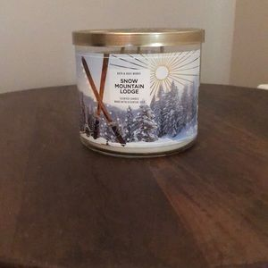 NEW Bath & Body Snow Mountain Lodge 3 Wicks Candle